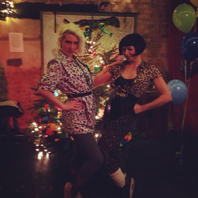 We want our 80s NYE bar girls back!!!!